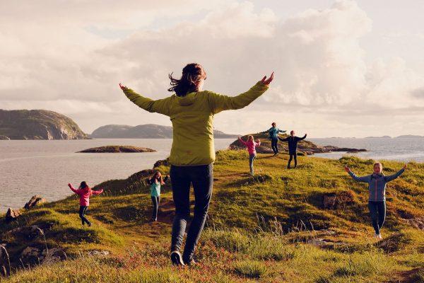 Frå innspelinga av  dei fyrste Folkepedia-filmene til Noregs Ungdomslag ved Bodø i vår. Klikk deg inn på facebook.com/noregsungdomslag/photos for å sjå fleire bilete! (Foto:  Lukkeleik, Anne-Marte Før)